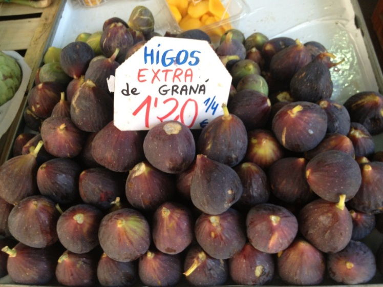 Delicious fresh figs at the markets