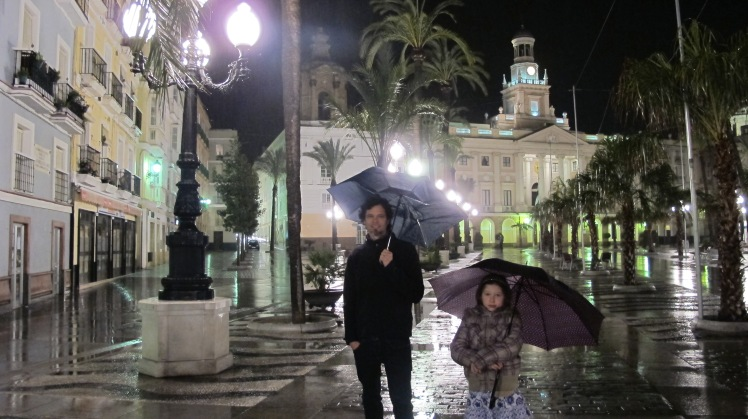 Rainy plaza in Cadiz